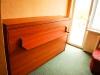 viengule-lova-spintoje-salia-sofos-lovos-2
